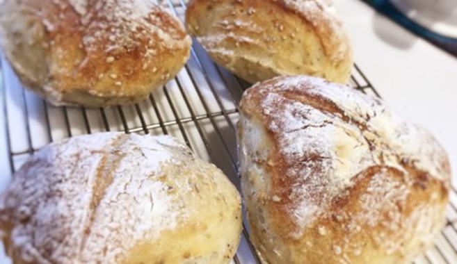 毎朝焼きたて!手作りパン